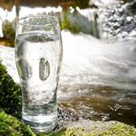 ウォーターサーバーの宅配水を比較!天然水かRO水か?